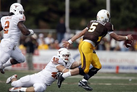 32799_texas_wyoming_football_medium