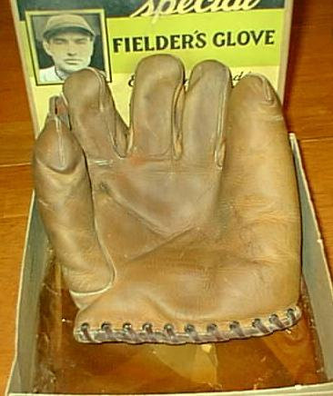 Pie_glove_medium