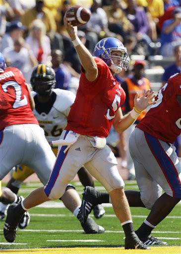 33921_southern_miss_kansas_football_medium