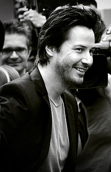 220px-keanureeveslakehouse_medium