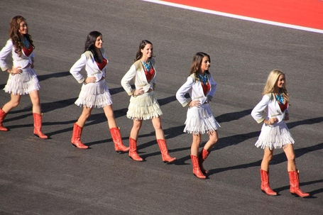 Grid_girls_medium