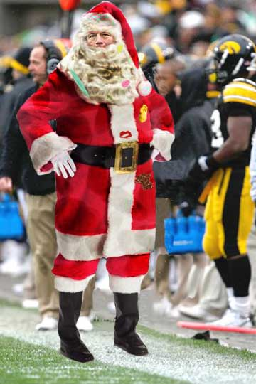 Santa_kirk_on_sidelines_medium