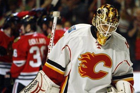 45988_flames_blackhawks_hockey_medium
