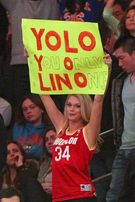 Rockets_fan_medium