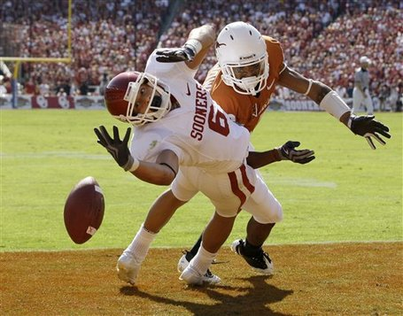 35660_aptopix_oklahoma_texas_football_medium