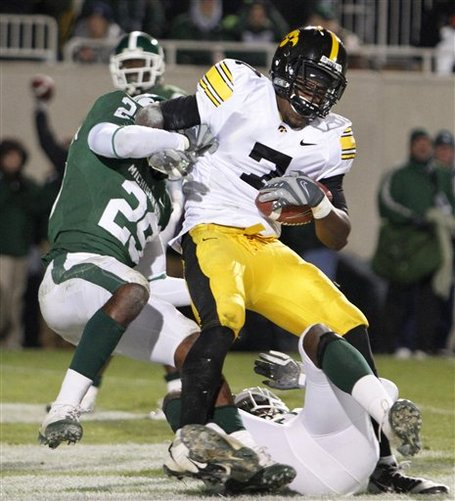 36601_iowa_michigan_st_football_medium