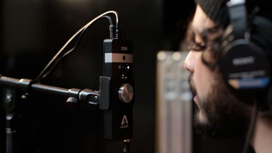 Новый литой алюминиевый корпус.  Новая схема, микрофонная капсула и улучшенное качество звука.
