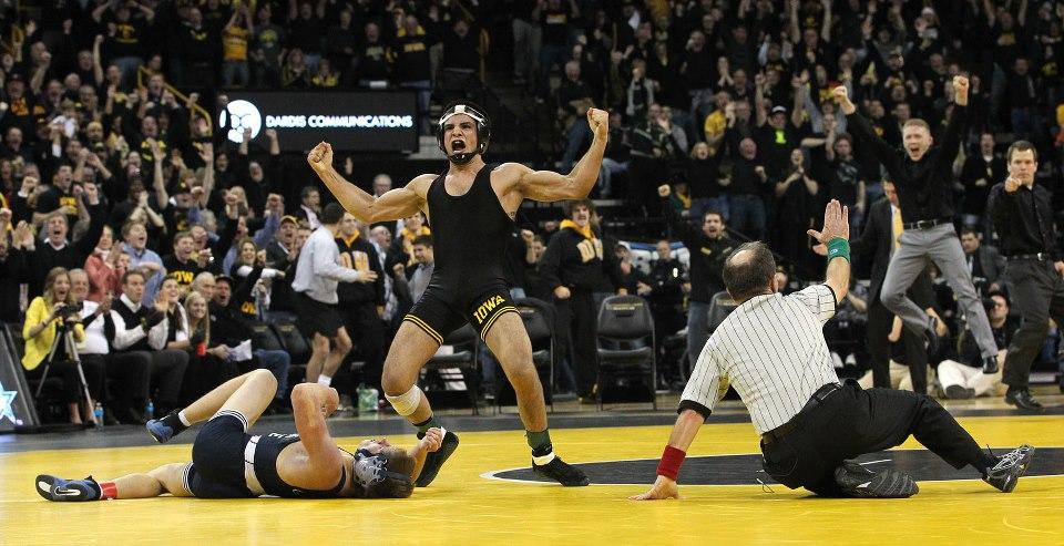 Iowa Hawkeyes Wrestling Wallpaper Miller / Hawkeye Sports