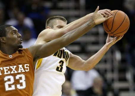 28334_texas_iowa_basketball_medium