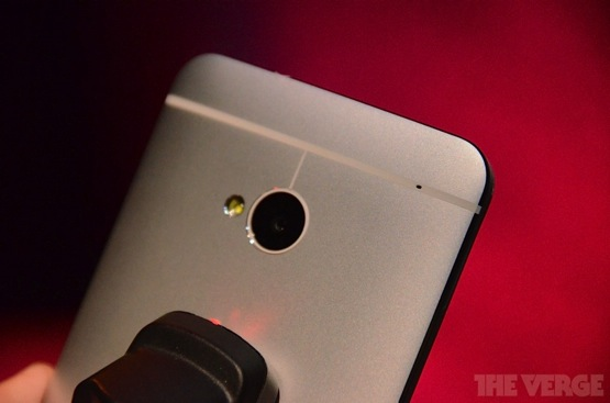 Htc-one-hands-on-xsc_2343-rm-verge-1020_verge_super_wide-verge-560