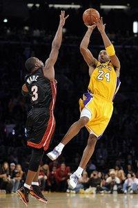71525_aptopix_heat_lakers_basketball_medium