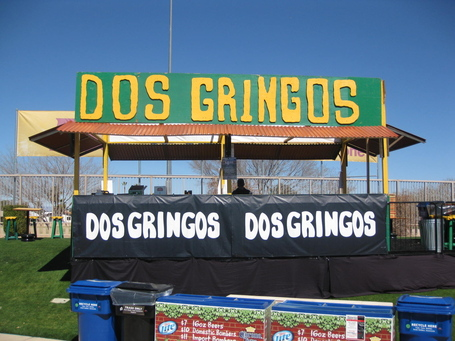 Dos-gringos-mesa_medium