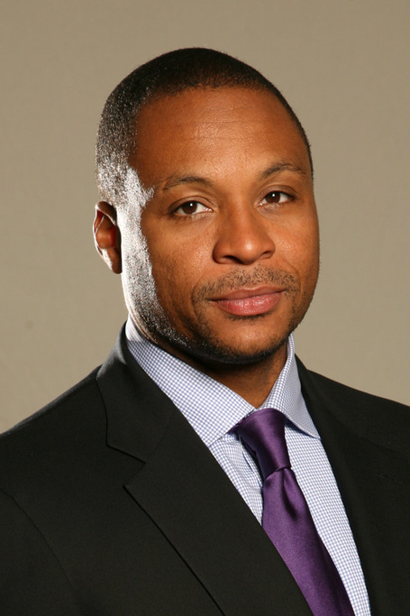 Gus-johnson-headshot-1_medium