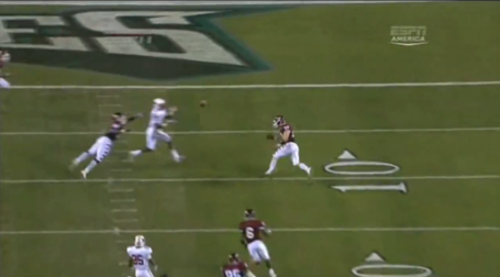 Zac_vs_temple_td_throw_on_run7_medium