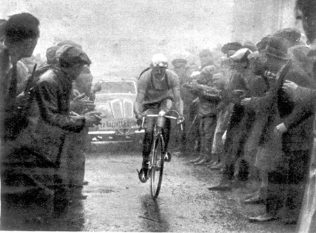 Giro d'Italia, 1939, Valetti on the Ghisallo