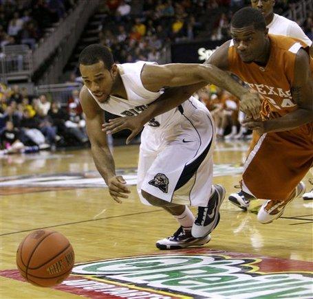 28472_texas_pittsburgh_basketball_medium