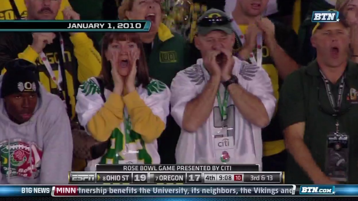 Oregon-fan-cupping-mouth_medium