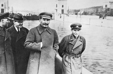 Voroshilov__molotov__stalin__with_nikolai_yezhov_medium