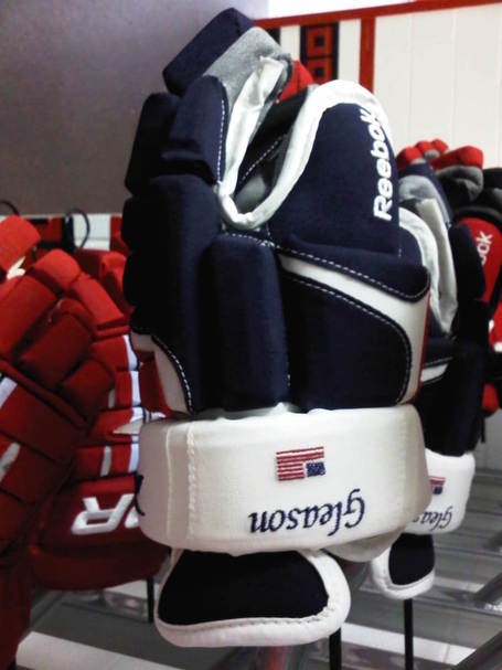 Gleason_usa_gloves_medium