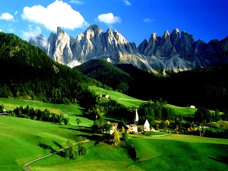 Dolomites_medium