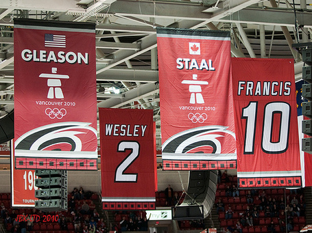 Staal_gleason_flags_medium