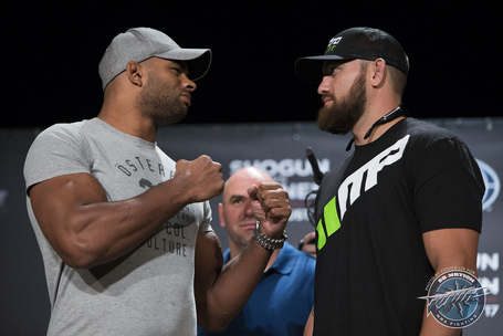 019_alistair_overeem_and_travis_browne_medium
