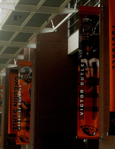 Jacquizz_rodgers_victor_butler_banners_dsc07753_medium