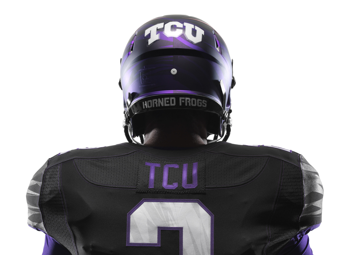 NCAA_FB13_UNIFORMS_TCU_DET_Back_0014_ori