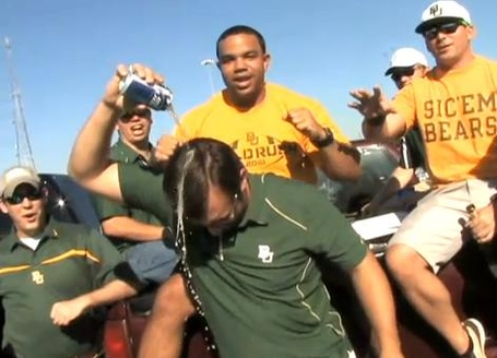 Baylor_fan_pouring_beer_on_his_head_medium