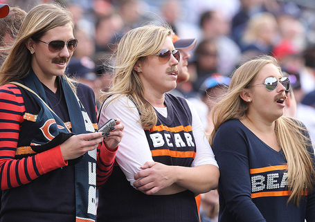 Hspts_mon1105_nfl_bears_fans_moustaches-l_medium