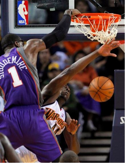 Amare_dunk_on_tolliver_medium