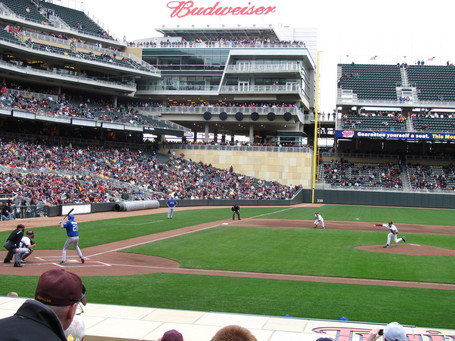 First_pitch_at_target_field_medium
