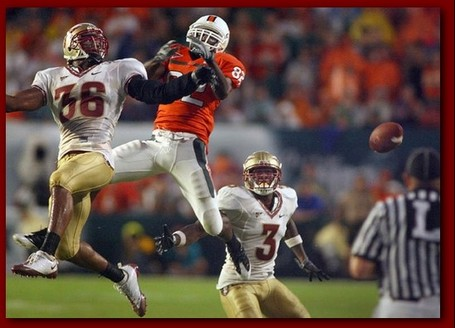 Dekoda_watson_covers_a_wide_receiver__miami_medium