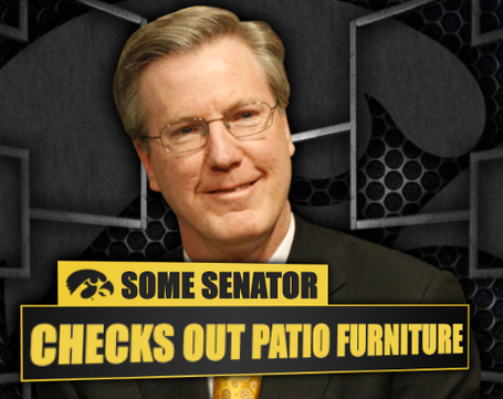 Senatorpatio_medium
