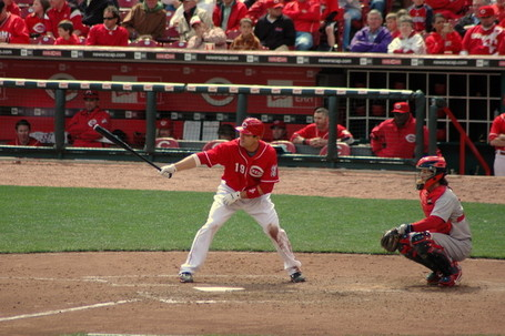 Joey_votto_gets_ready_at_the_plate_medium