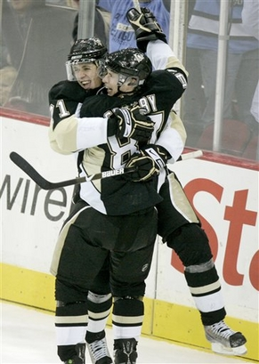 Crosby_and_malkin_medium