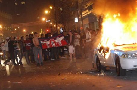 Habs_rioting_1_medium
