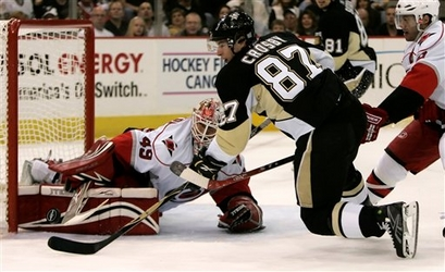 Pittsburgh_penguins_sidney_crosby_2_medium