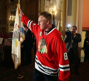 2010_hossa_signs_medium