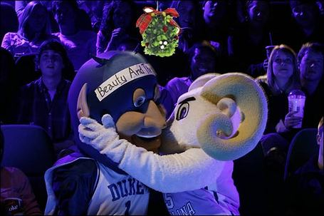 Duke-unc-christmas-kiss-cc_medium
