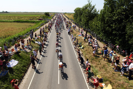 Tour_de_france_road_image_medium