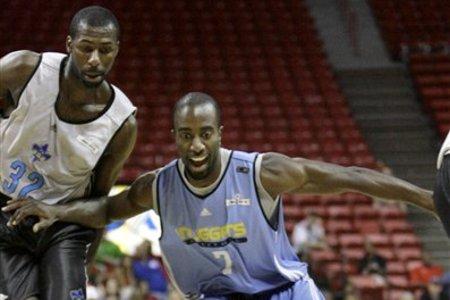 66008_nuggets_hornets_basketball_medium