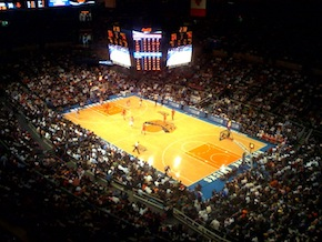 Knicks_playing_at_madison_square_garden_medium