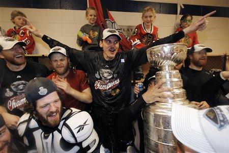 64974_stanley_cup_blackhawks_flyers_hockey_medium_medium