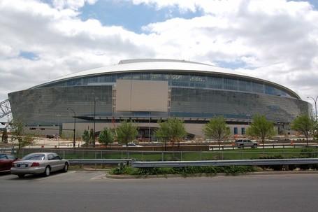 New-cowboys-stadium-22_medium