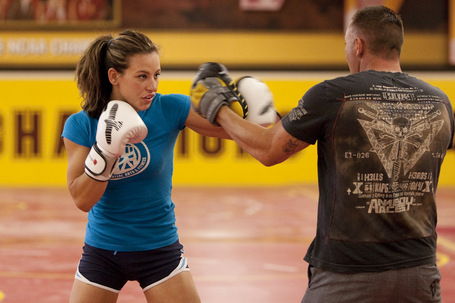 02_miesha_tate_hits_pads_medium