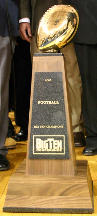 Big_ten_trophy_medium