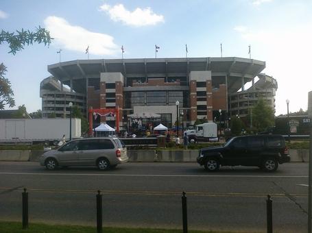 Alabama_stadium_far_medium