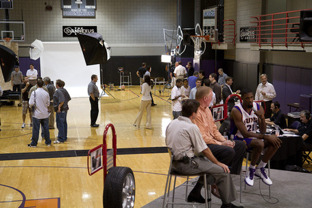 Suns_media_day_2010-18_medium