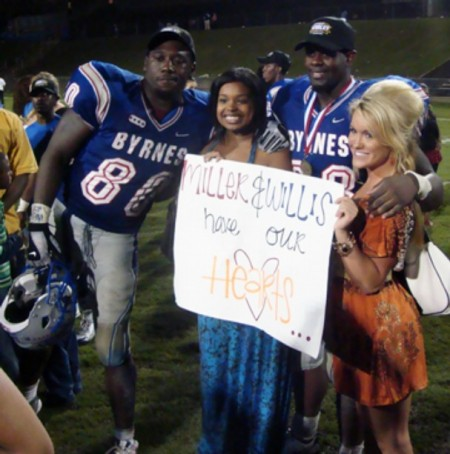 Orey-miller-left-and-brandon-willis-pose-with-tennessee-recruiting-hostesses-dahra-johnson-left-and-lacey-earps-after-a-game-at-byrnes-high-in-duncan-sc-o_medium